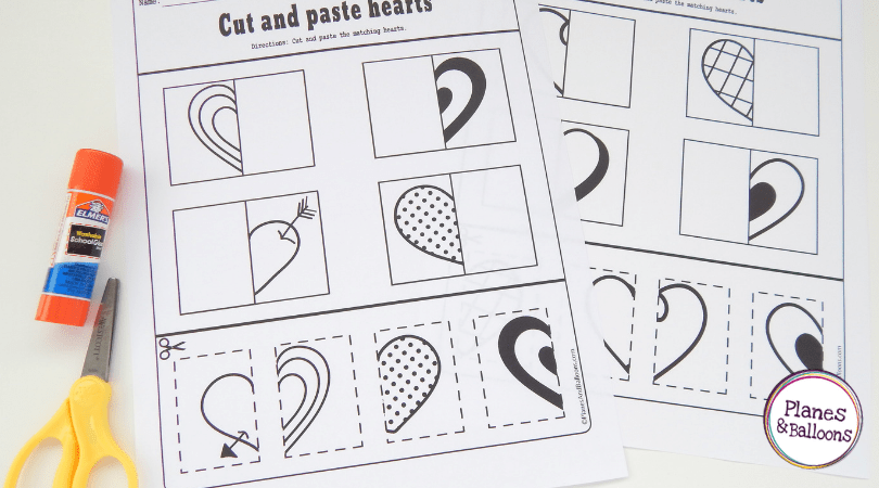 Free cut and paste worksheets for a fun way to practice cutting skills in preschool. Scissor skills preschool activities. #preschool #prek